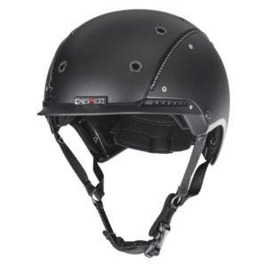 Un casco de equitación muy ergonómico pero con menos protección en la nuca.